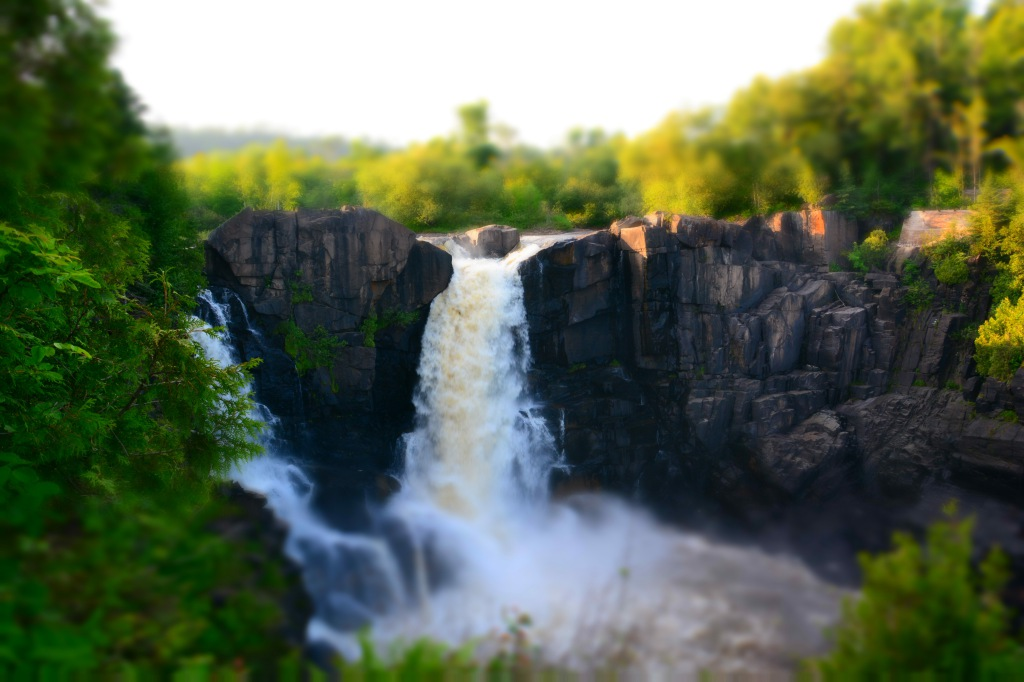 Pigeon River High Falls, miniaturized